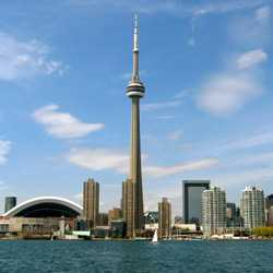 ����� CN Tower - ���� �� ����� ������� ������ � ����